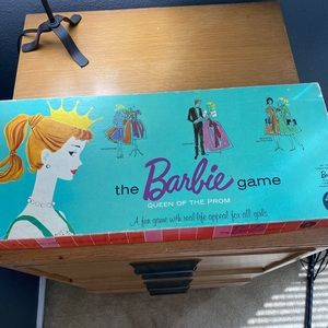Mattel THE BARBIE GAME Queen of the Prom Game💕